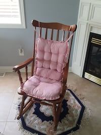 Rocking chair and 2pc padding  Innisfil, L9S 4Z6