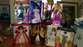 7 collectable barbies