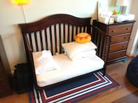 Convertible crib with mattress included Miami, 33145