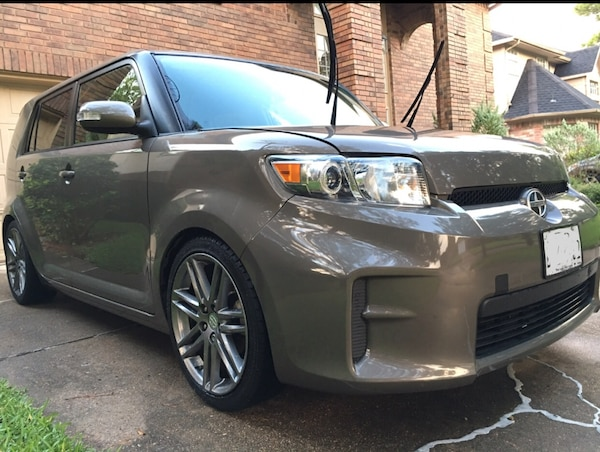 Scion - xB - 2012 1