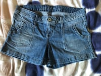 Women shorts guess size 30 Laval, H7S 1Y3