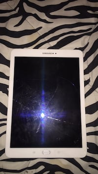Samsung Galaxy S2 white tablet  Columbus, 31909