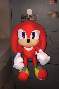 Knuckles plushi