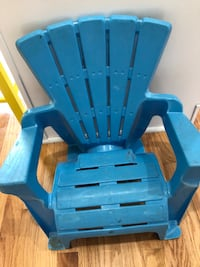 blue and black plastic chair Alexandria, 22315