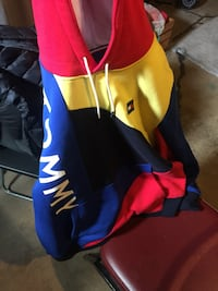 Tommy Hilfiger hoodie sz Large  Germantown, 20874