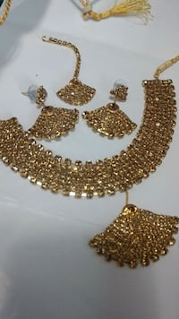 two gold and silver necklace Brampton, L6Y 5R7