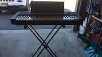 Yamaha keyboard with stand Mississauga, L5J