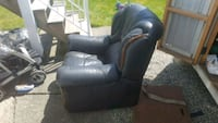 Leather chair Surrey, V3R