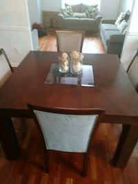 Beautiful dinette set with 4 chairs Covington, 30016
