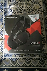 black and red Logitech wireless headphones box Toronto, M5A 3T7