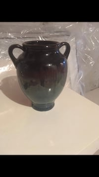 black and clear glass vase 561 km