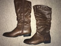 pair of black leather boots Edmonton, T5Z