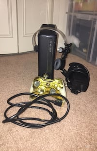 Xbox 360 with (Mic and Controller) Falls Church, 22046