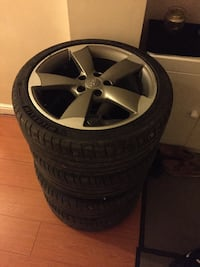 gray Audi 5-spoke wheel with tire set Huddersfield