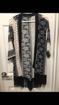 Black and white floral cardigan 3735 km