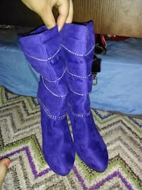 pair of purple suede boots Killeen, 76549