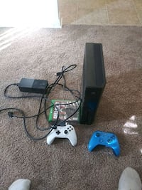 Xbox one all black Columbia