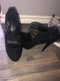 Womens size 8 shoes/boots