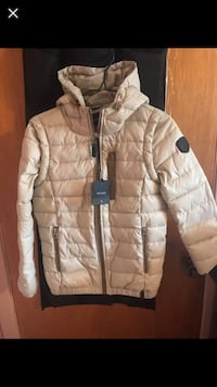 brown zip-up bubble jacket Montréal, H1R 1W6