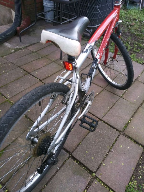 Used bike in good conditions 3432bdb0-c98b-4b79-a54b-3e7622df8d63