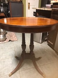 Vintage Imperial furniture side table  Alexandria, 22315