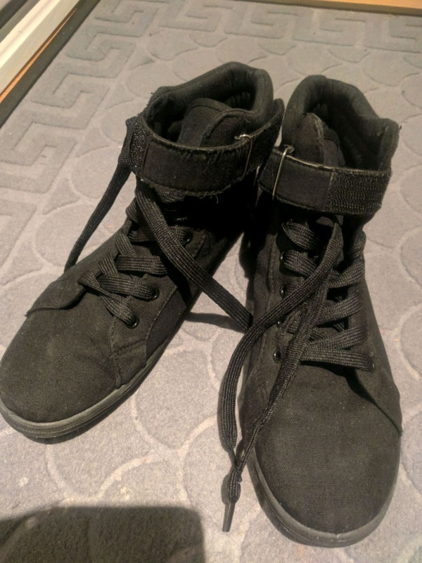 35be14f515d657 Used Womens shoes-used and in great shape Size 8 for sale in Toronto - letgo