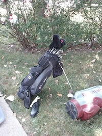 Women's golf clubs and bag new Dearborn Heights, 48127