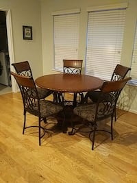 Kitchen table with 5 chairs Pearland, 77584