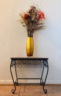 Faux flower vase and mini table