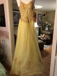 Yellow prom gown Bedford, 03110