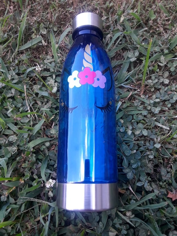 unicorn water bottles 3e92586a-153f-42f8-94b5-d7fc1d5108ad