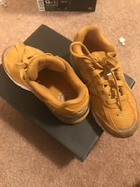 pair of brown Nike running shoes Clinton, 20735