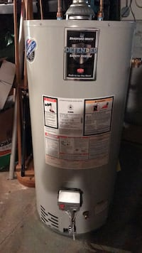 40 gallon Natural Gas water heater 2 years old