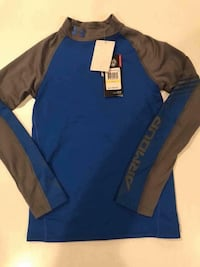 blue and brown Under Armour long-sleeved shirt