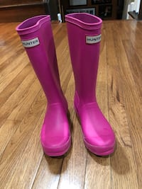So cute. Hot Pink Hunter rain boots. Size 1 youth Germantown, 20876