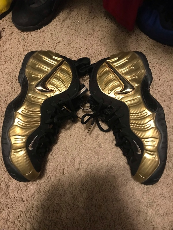 los angeles 11c91 22cd8 Gold and black nike foams
