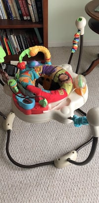 baby's white and green jumperoo Gaithersburg, 20879