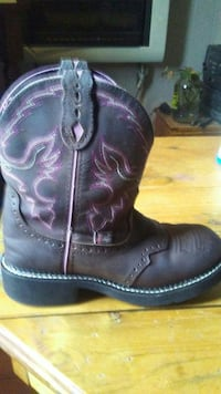 Justin. Boots. Ladies. Size. 7
