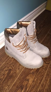 Rosegold Timberlands - Immaculate Condition Burlington