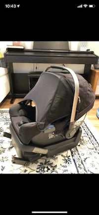 Nuna pipa carseat and base 多伦多, M5G 1M7