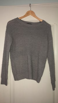 Grey knit sweater  Vaughan, L6A 3M1