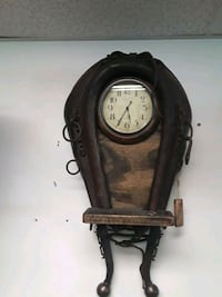 vintage collar and hainer clock Manassas