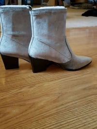 New velour silver eight and a half Nine West boots Cumming, 50061