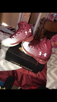 red-and-white Under Armour basketball shoes with box Oakland Park, 33309