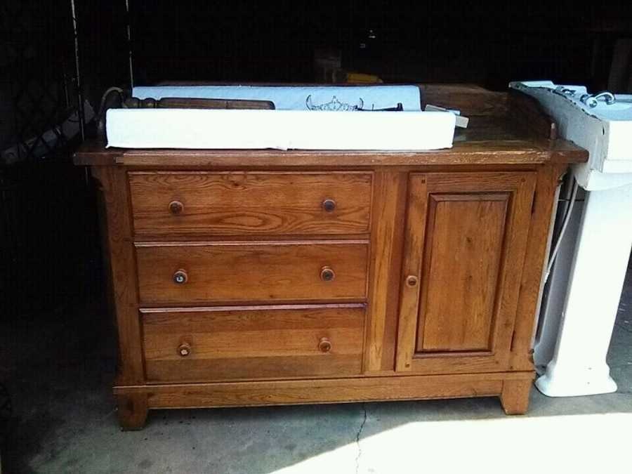 Used Oak Hutch/dresser/changing Table/hutch For Sale In Newark   Letgo