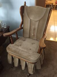 brown wooden frame white padded chair New Windsor, 21776
