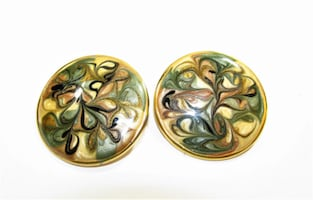 1980'S VINTAGE ENAMEL & GOLD TONE STUD POST EARRINGS