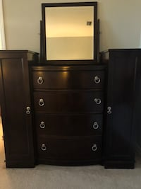 Beautiful Bassett Furniture Select Series Dressers Sarasota, 34243
