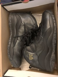 pair of black leather work boots with box Toronto, M4G 4J7