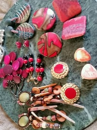Variety red and earthy colours earings Oshawa, L1K 0B9